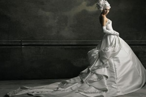 weddingdress pic1 300x200 YUMI KATSURA Dress Collection
